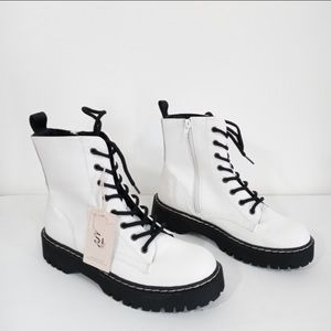 NIB Sincerely Jules Harley Combat Boots White
